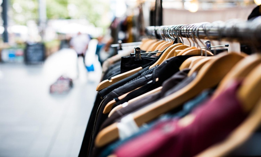 How to find online clothing wholesalers